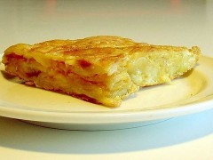 800px-Tortilla_patatas_2.jpg