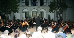 Eva_Fampas_Athens_Municipality_Symphony_Orchestra_Economou.jpg
