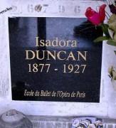 546px-AX_Isadora_Duncan_Tomb_crop.jpg