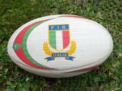 800px-RugbyBallItaly.jpg