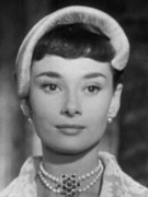 Audrey_Hepburn_Roman_Holiday_cropped.jpg