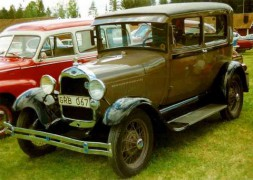 1928_Ford_Model_A_55A_Tudor_Sedan_GRB067.jpg