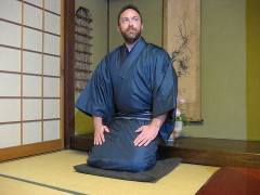 800px-JimmyWales_wearing_Kimono.jpg