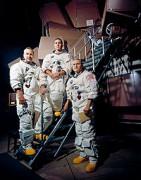 200px-Apollo_8_Crewmembers_-_GPN-2000-001125.jpg