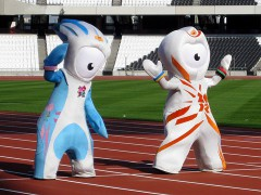 800px-Olympic_mascots_cropped.jpg