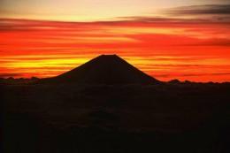 800px-Mount_Fuji_from_Mount_Akaishi.jpg