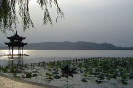 800px-West_Lake.JPG