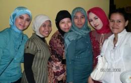 Hijab-Indonesia_Anna_Martadiningrat_.jpg