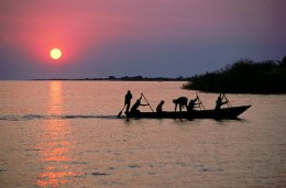 Fisherman_on_Lake_Tanganyika.jpg