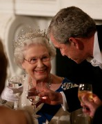 495px-George_W._Bush_toasts_Elizabeth_II_2007.jpg