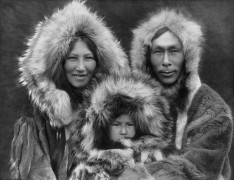 Inupiat_Family_from_Noatak_Alaska_1929_Edward_S_Curtis_restored.jpg