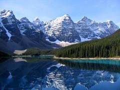 800px-Moraine_Lake_17092005.jpg