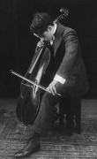 255px-Charlie_Chaplin_playing_the_cello_1915.jpg