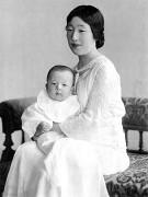 270px-Empress_Kojun_and_Prince_Akihito.jpg
