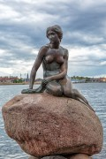 330px-Copenhagen_-_the_little_mermaid_statue_-_2013.jpg