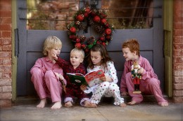 450px-Children_reading_The_Grinch.jpg