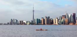 Toronto_skyline_toronto_islands_b.JPG