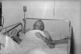 330px-Rabies_patient.jpg