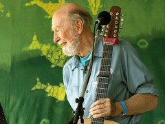 375px-Pete_Seeger2_-_6-16-07_Photo_by_Anthony_Pepitone.jpg