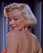 Marilyn_Monroe_in_How_to_Marry_a_Millionaire_trailer_2.jpg