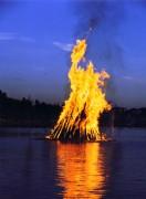 MidsummerNightBonfire2_2.jpg
