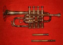 330px-Trumpet_piccolo_2.jpg