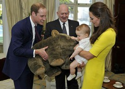 Prince_George_of_Cambridge_with_wombat_plush_toy_crop.jpg