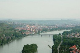 375px-Krems_and_mautern_from_ferdinandswarte.jpg