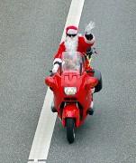300px-Santa_Claus_BMW_01.jpg