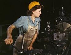 330px-WomanFactory1940s.jpg