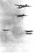 420px-B-29s_dropping_bombs.jpg