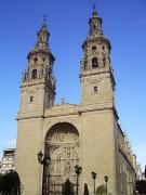 330px-Faade_of_Santa_Mara_de_la_Redonda_in_Logroo.jpg