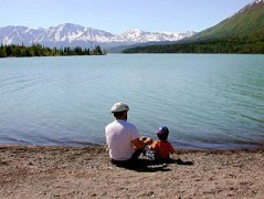 Fathers_day_father_with_kid_on_lake.jpg